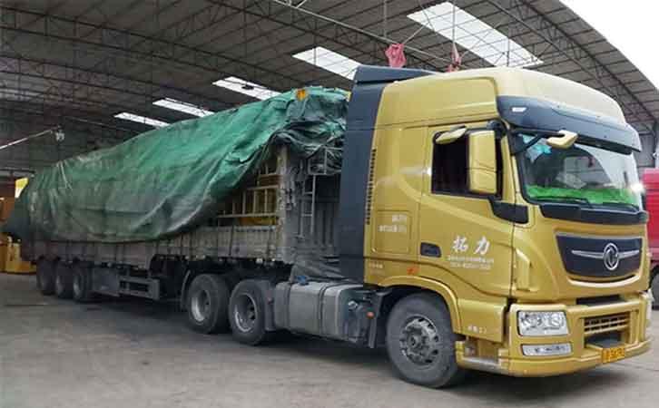 木模板装车发货