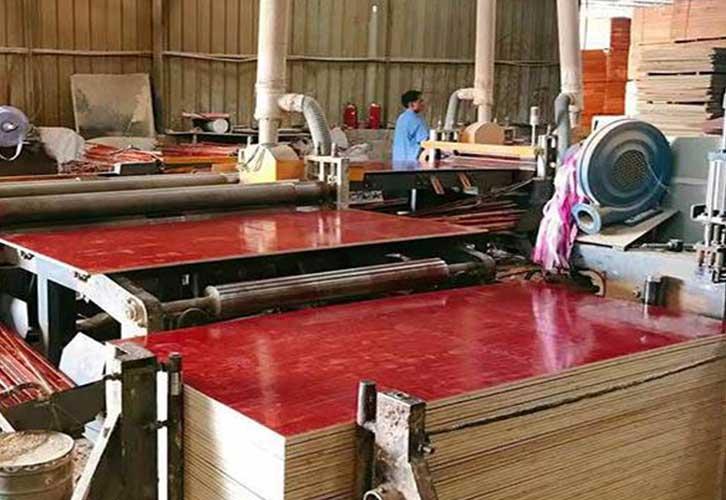 木模板生产厂家生产车间实拍